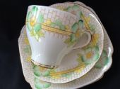 Roslyn China tea trio - Rosea